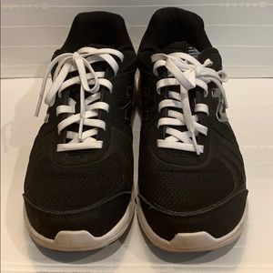 New Balance Shoes - New Balance black and white sneakers